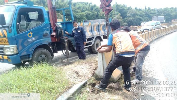 Jasa Marga menambah barrier beton cegah pemudik nekat