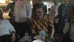 Cerita Jumhur Hidayat Selama Ditahan, Saling Beri Semangat ke HRS