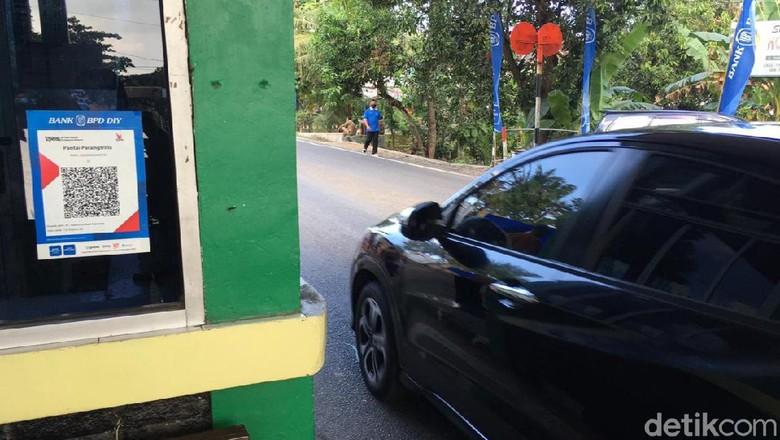 Dinas Pariwisata (Dispar) Kabupaten Bantul melaunching sistem pembayaran cashless di tempat pemungutan retribusi (TPR) dan menerapkannya mulai Senin (10/5/2021)