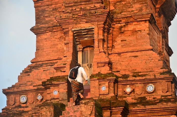 Masjid Menara Kudus merupakan hasil akulturasi budaya Islam, Hindu, dan Buddha yang menjadi bukti nyata wujud kerukunan dan toleransi antar umat beragama.