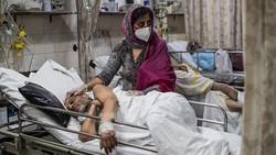 Lebih dari seperempat juta kasus kematian Corona dunia berasal dari India. Angka kematian terus mencetak rekor hingga ratusan mayat di sungai.