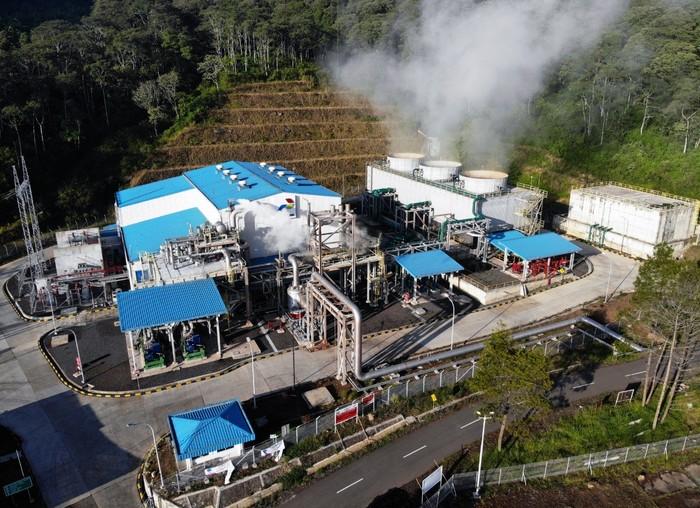 Operasional energi panas bumi Pertamina.