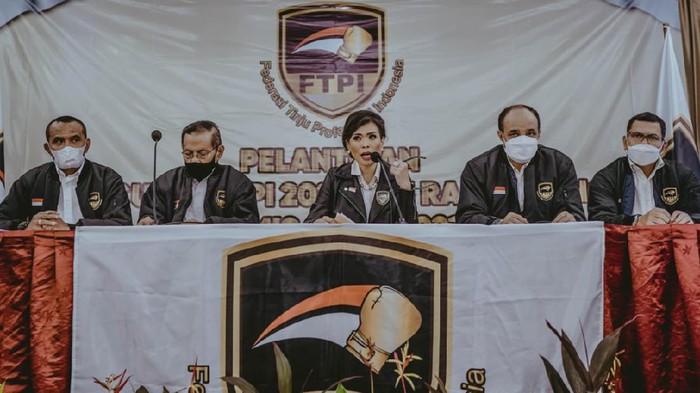 Pelantikan Federasi Tinju Profesional Indonesia (FTPI) di Hotel Atlet Century, Kamis (6/5/2021)