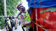 Duh! Polisi Ciduk Pengendara Tak Pakai Masker di Penyekatan Tasik