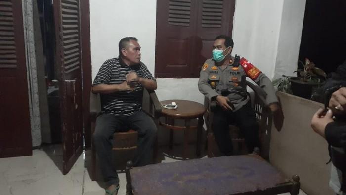 Polisi datangi kantor Kekaisaran Sunda Nusantara di Depok (Istimewa)