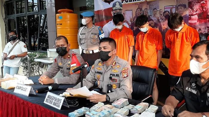 Polisi tangkap komplotan pembobol brankas minimarket di Jaksel