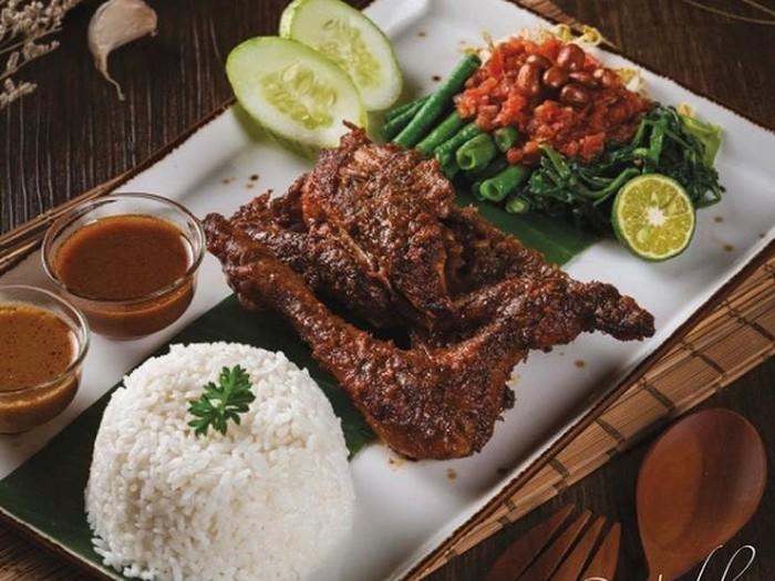 5 Restoran Lombok yang Punya Ayam Taliwang untuk Buka Puasa