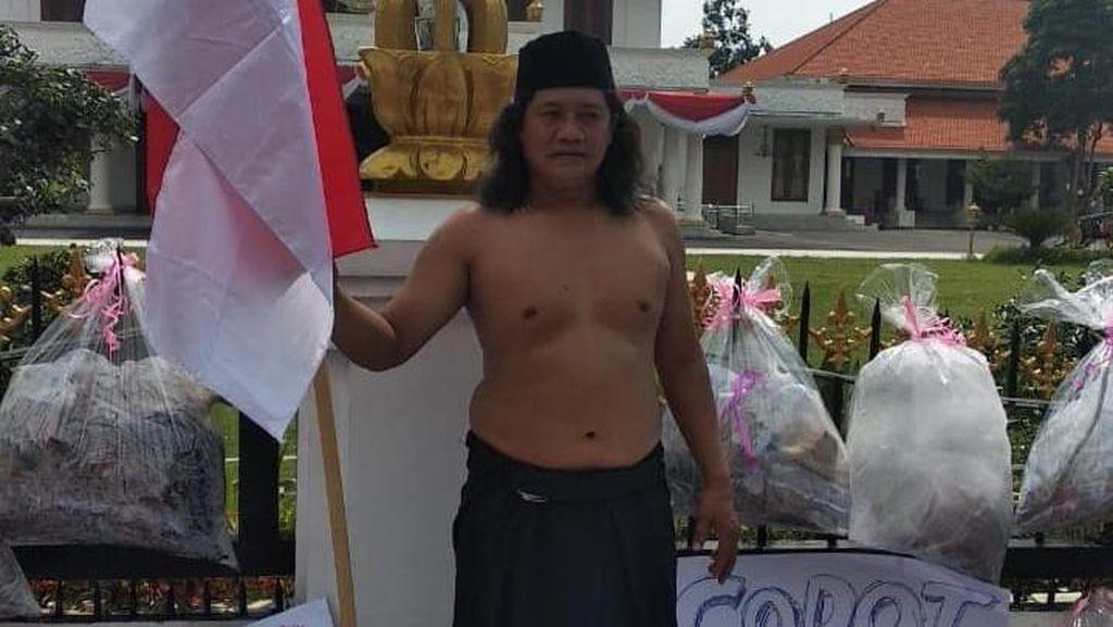 Seniman Surabaya Protes Dugaan Penyimpangan Anggaran Disbudpar Jatim