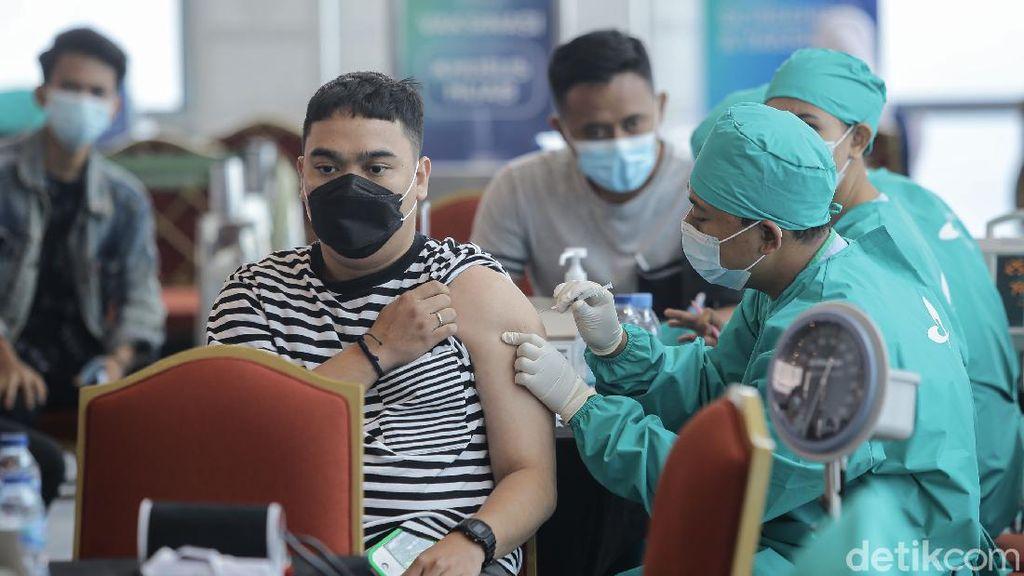 Menkes Ungkap Turunnya Pasokan Vaksin Tanah Air karena Kasus di India