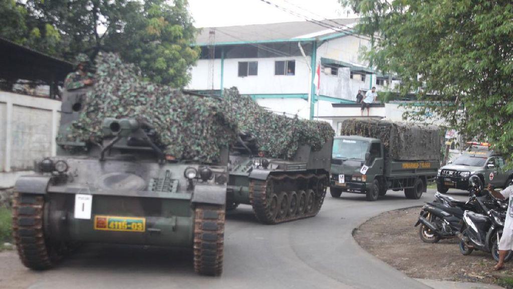 Viral Tank TNI Halau Pemudik, Faktanya untuk Latihan