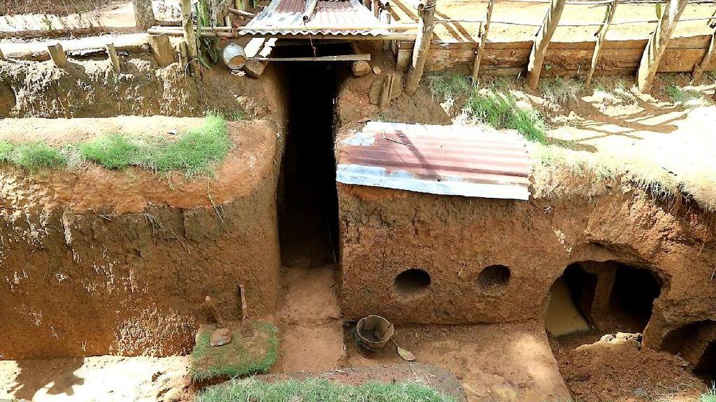 Melihat Lebih Dekat Rumah Bawah Tanah Kakek Zainuddin