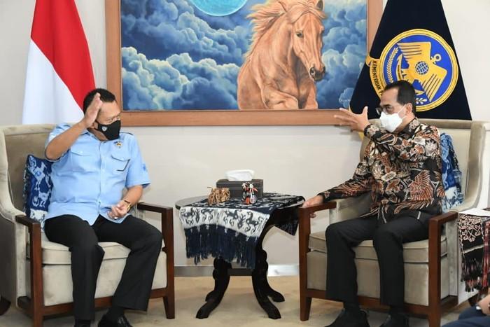 Ketua MPR RI Bambang Soesatyo (Bamsoet) mendorong agar SIM Internasional Indonesia diakui di seluruh dunia