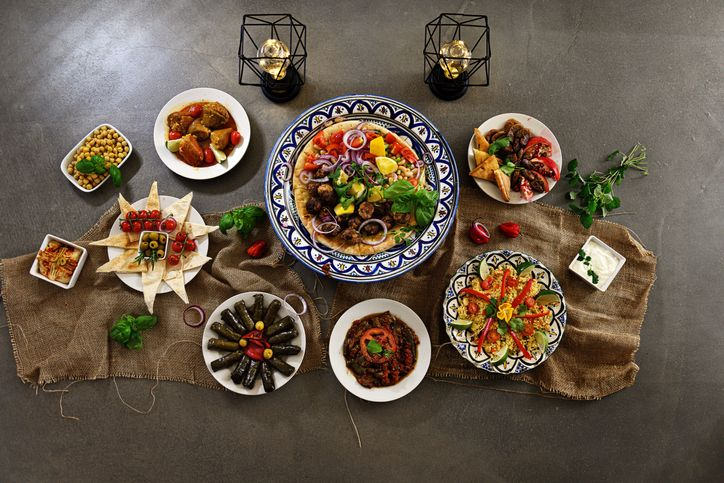 Begini Cara Makan Sahur yang Benar dan Dianjurkan Islam