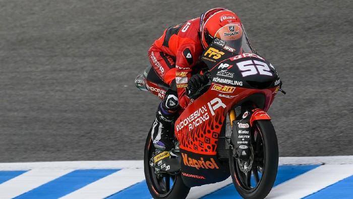 Awal Musim yang Mengejutkan untuk Tim Indonesia di Moto2 dan Moto3  Tim balap Indonesia Racing sudah naik podium ketika musim Moto2 dan Moto3 2021 baru berjalan empat seri. Pencapaian ini terbilang mengejutkan.