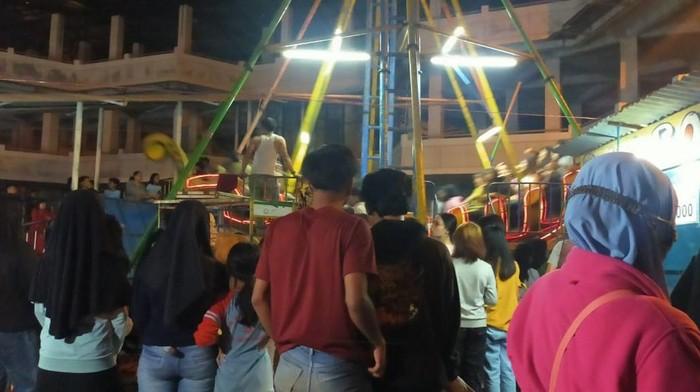 Kegiatan pasar malam di Garut dibubarkan petugas