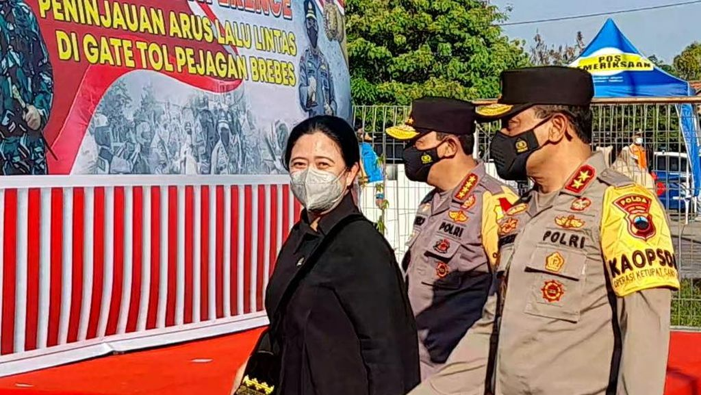 Cek Posko Penyekatan Mudik di Brebes, Puan Pesan Logistik Jangan Terganggu