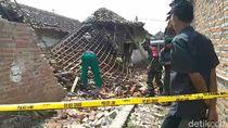 Rumah di Pasuran Ambruk Terkena Ledakan Petasan