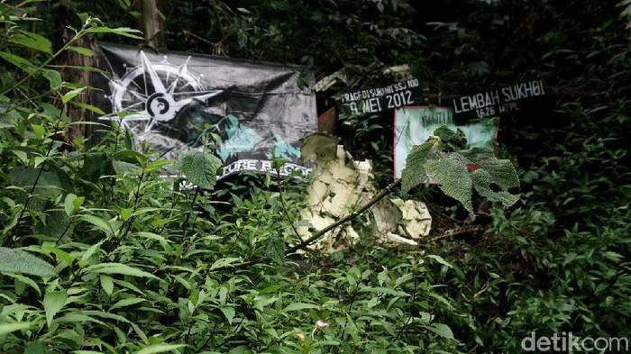 Hari ini, 9 tahun lalu, pesawat Sukhoi Superjet 100 jatuh di Gunung Salak, Bogor, Jawa Barat. Nah, seperti apa kondisi terkini lembah yang menjadi saksi bisu tragedi tersebut?