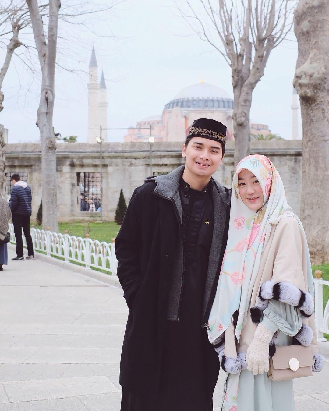 Muhammad Alvin Faiz dan Larissa Chou