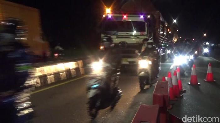Pemudik motor di Subang