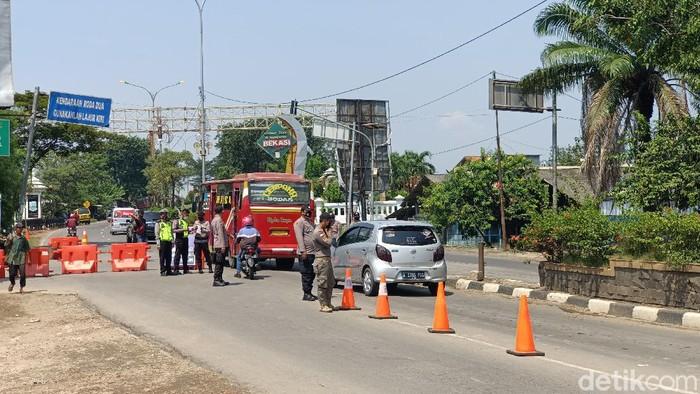 Penyekatan pemudik di perbatasan Karawang-Bekasi