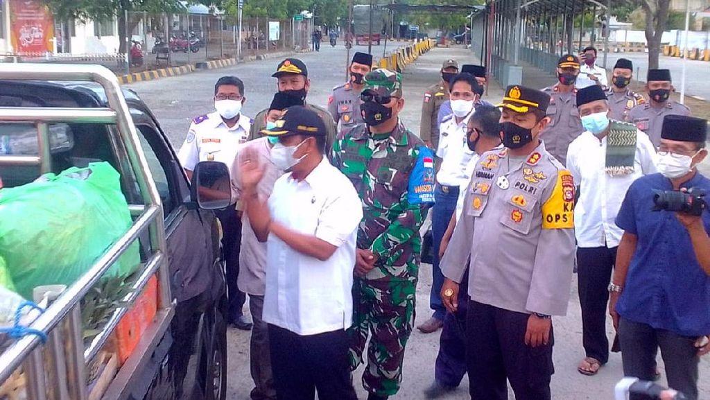Forkopimda, TNI & Polri Sidak Penumpang di Pelabuhan Poto Tano