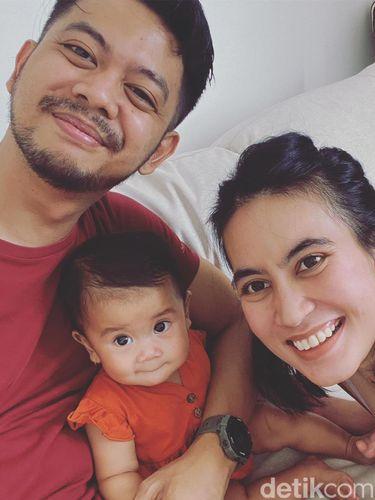 Potret keluarga Dea Rivani.