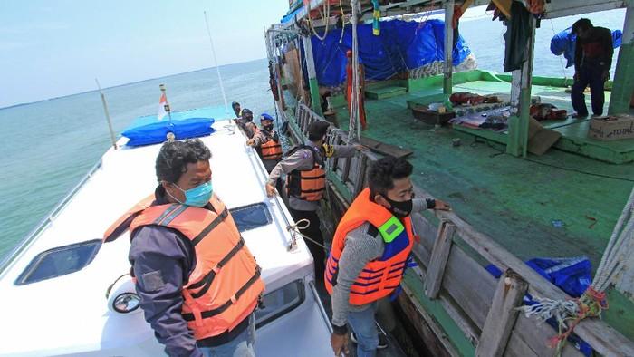 Penyekatan mudik dilakukan di sejumlah titik, tak kecuali di jalur laut. Hal itu dilakukan untuk cegah warga nekat mudik di tengah pemberlakuan larangan mudik.