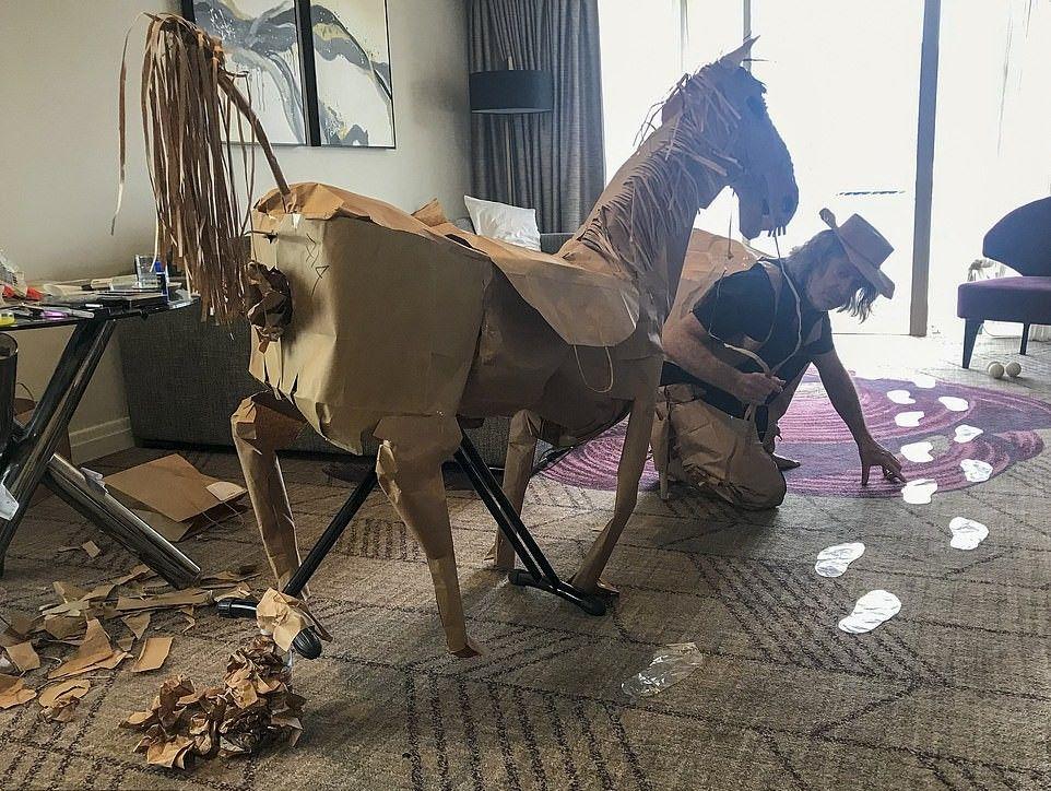 David Marriott dan kuda kertasnya
