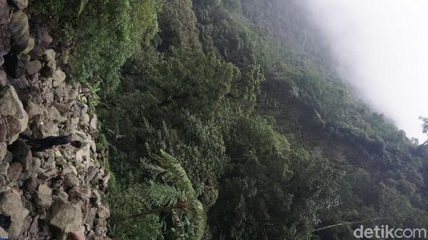 Dari Lembah Sukhoi ini terlihat jelas tebing Gunung Salak yang dihantam pesawat Sukhoi Superjet 100.