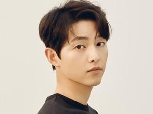 Song Joong Ki Ungkap 4 Fakta Tak Terduga Ini Saat Fan Meeting Virtual