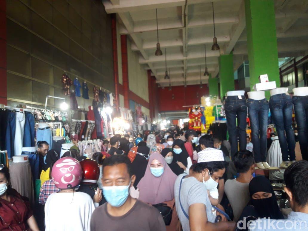 Suasana Pasar Tanah Abang pada 9 Mei 2021 (Rakha/detikcom)