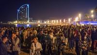 Aturan Jam Malam Berakhir, Pantai di Barcelona Ramai Warga
