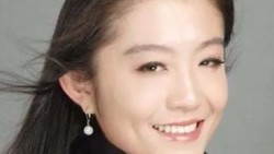 Sosok Translator Cantik China yang Dituduh Sebabkan Perceraian Bill Gates