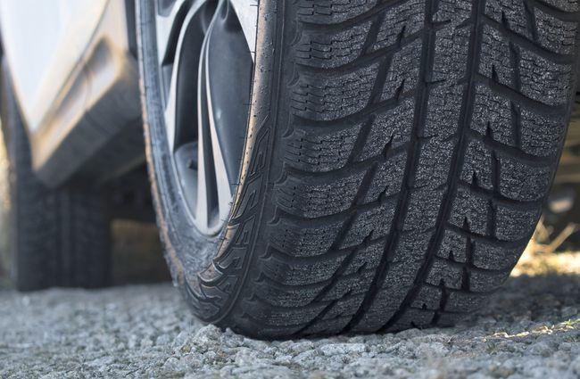 Kenali 6 Penyebab Telapak Ban Mobil Cepat Aus