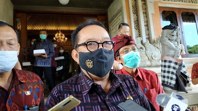 Wakil Gubernur Bali Tjokorda Oka Artha Ardhana Sukawati (Cok Ace) di DPRD Bali, Senin (10/5/2021).