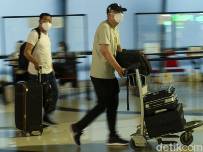 Sejak 1-23 Juli 2.056 WN China Tinggalkan RI, Takut Corona?