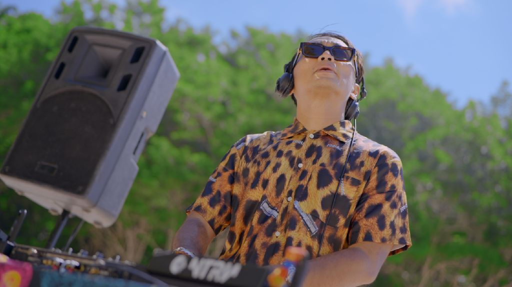 Dipha Barus, DJ-Produser Musik yang Berkarya & Lestarikan Seni Musik RI