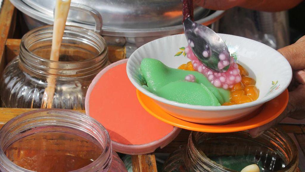 Kuliner Bogor Mantul, Es Loder Pak Ade yang Manis Lembut