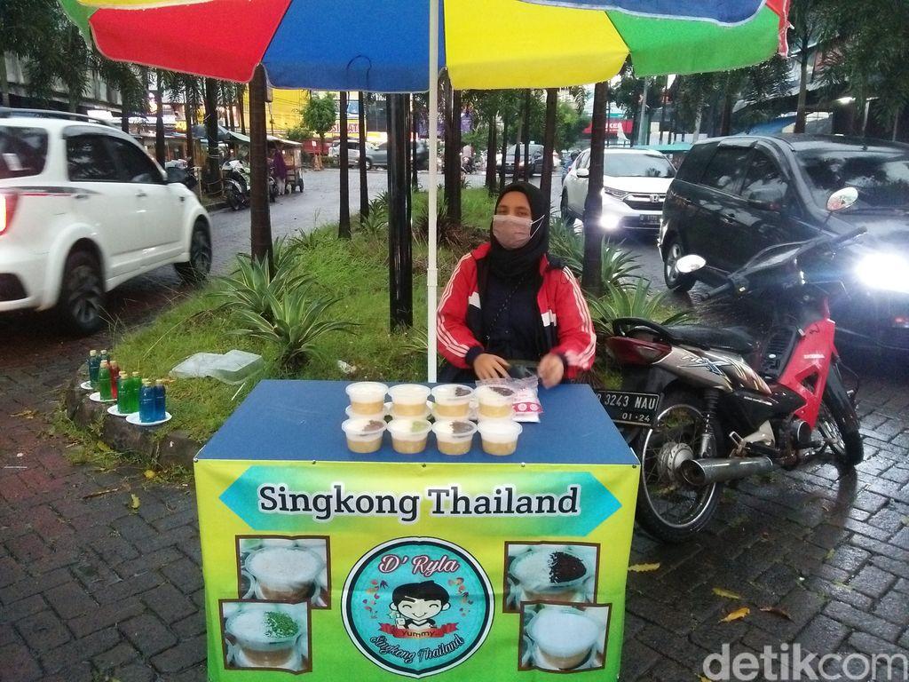 Jajan Takjil di Pamulang, Ada Singkong Thailand dan Bubur Sumsum Bangka Enak
