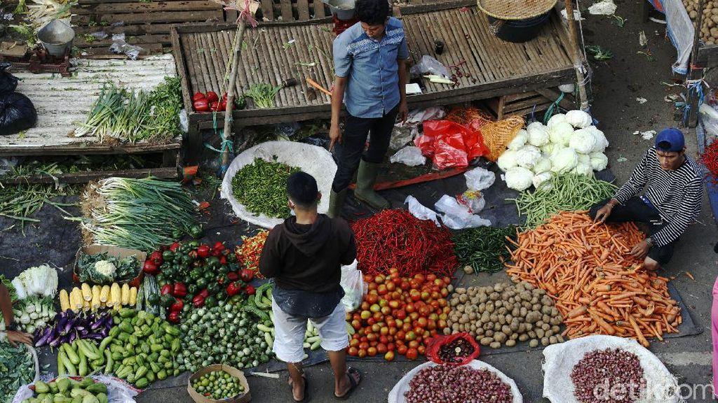 Potret Suasana Pasar Tradisional Menjelang Lebaran