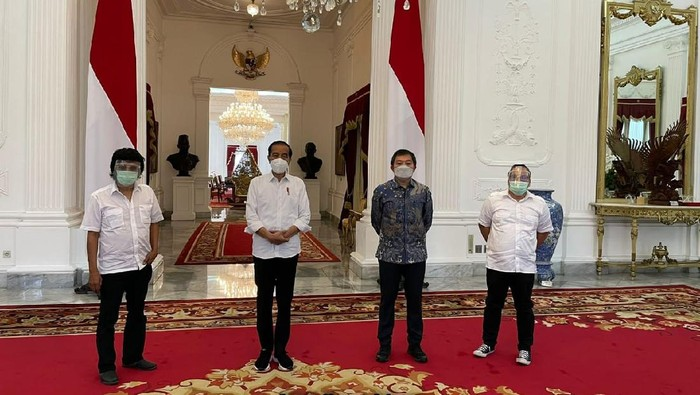 Jokowi Bertemu Adian Napitupulu