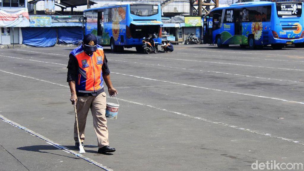 Kondisi Terminal Cicaheum Bandung Sepi Jelang Lebaran