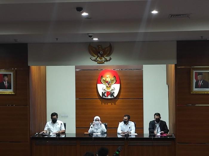 Konferensi penetapan tersangka kasus suap Bupati Nganjuk di KPK (Azhar-detikcom)