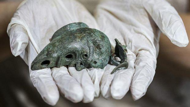 Lampu minyak kuno ditemukan di Yerusalem. Konon untuk sesajen.