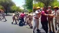 Langgar Aturan Keluar Rumah saat Lockdown, Pemotor Dipaksa Masuk Ambulans