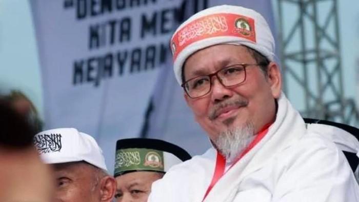 Ustaz Tengku Zulkarnain meninggal dunia. Dia meninggal setelah dinyatakan positif Corona atau COVID-19.