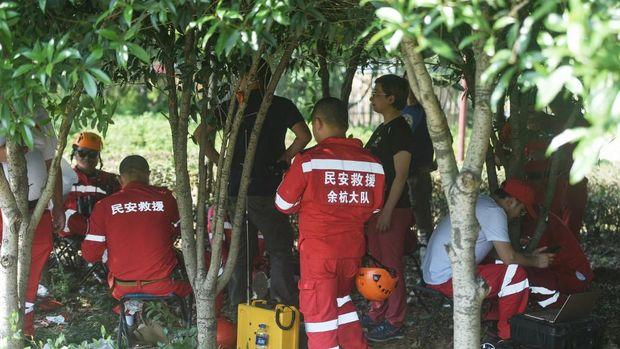 Pemburu macan tutul yang kabur di Hangzhou pada 9 Mei 2021.