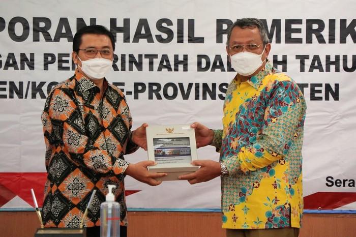 Pemerintah Kota (Pemkot) Tangerang Selatan meraih predikat opini Wajar Tanpa Pengecualian (WTP) dari Badan Pemeriksaan Keuangan (BPK) untuk laporan keuangan daerah tahun 2020.
