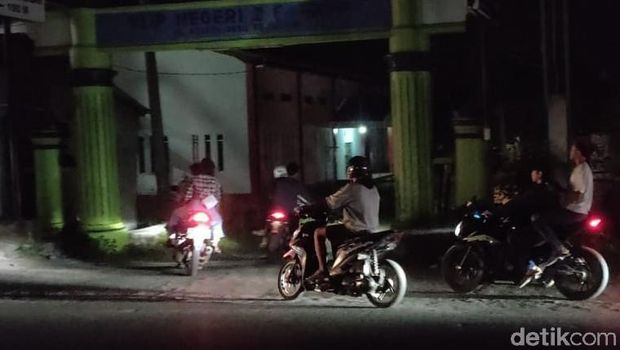 Pemudik Susuri Jalan Tikus di Cirebon